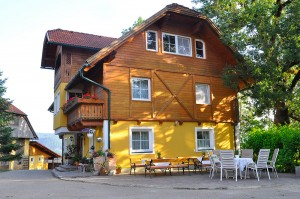 Die Terasse vorm Haus