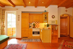 Wohnzimmer mit Küche - Ferienwohnung 3